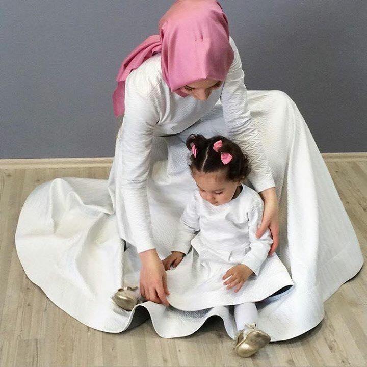 Beyaz anne kız kombinleri