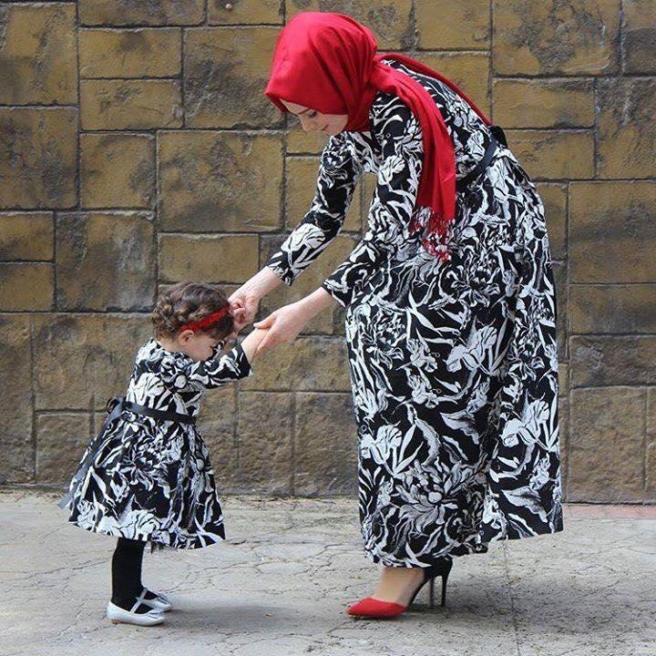 Tesettür anne kız elbise kombini