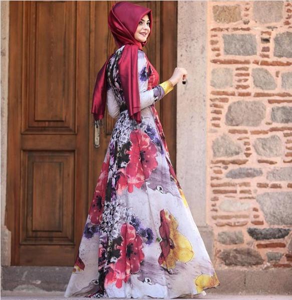 Çiçekli Tesettür Mezuniyet elbisesi