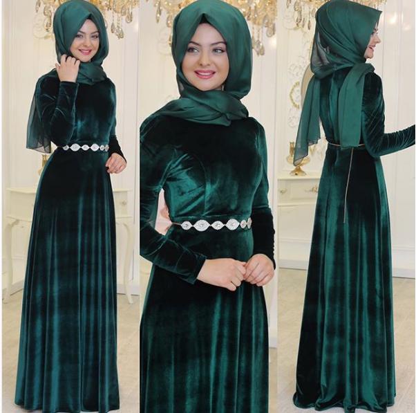 595f6b340f62a Pınar Şems kadife elbise