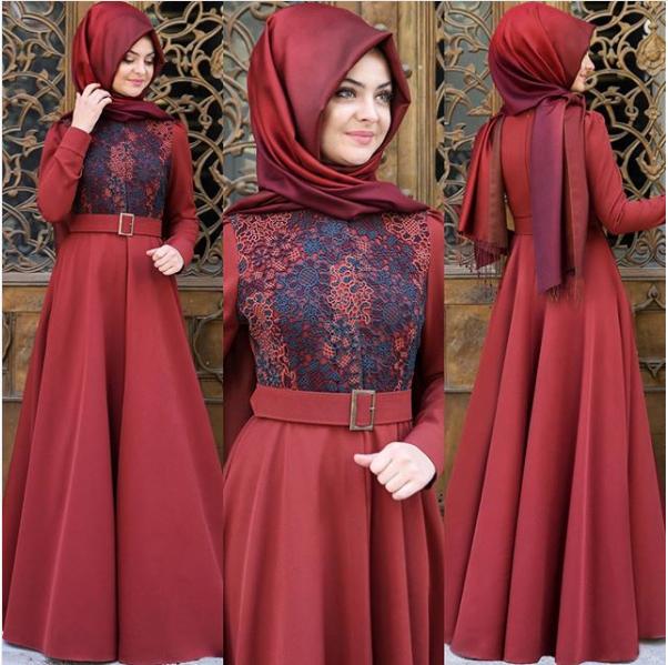 Pınar Şems kırmızı elbise