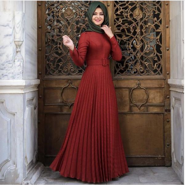 Pınar Şems pileli elbise