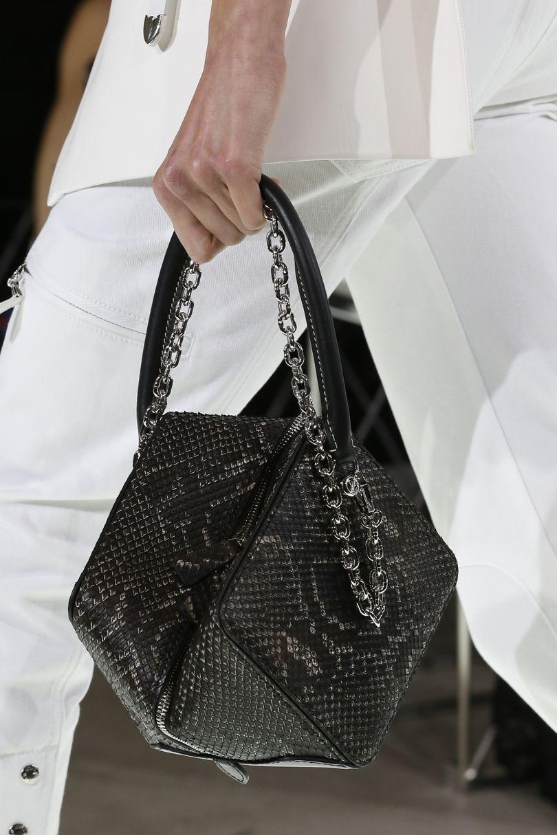 2018 zincirli çanta